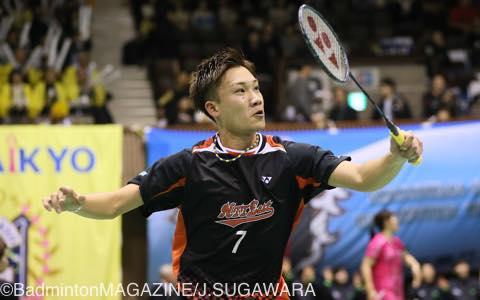 1ゲームを奪われたNTT東日本・桃田賢斗は、2・3デームで調子を取り戻して逆転勝利