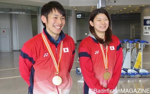 取材に応じた嘉村健士(左)と髙橋礼華