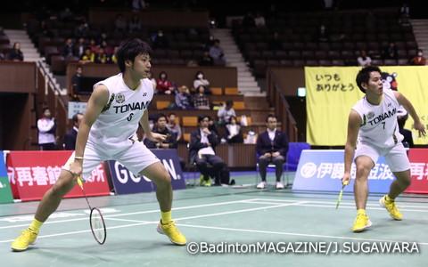 連載第1回は日本B代表の渡邊達哉選手(左)にも協力・実演していただいた