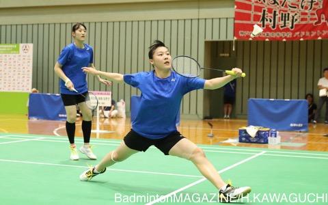 髙橋明日香(左)/由良なぎさ(ふたば未来学園)は、団体戦の決勝で敗れている森/石村にリベンジして頂点に立った