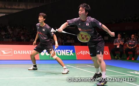 男子ダブルスでは、日本勢初の決勝進出を果たした井上拓斗(右)/金子祐樹