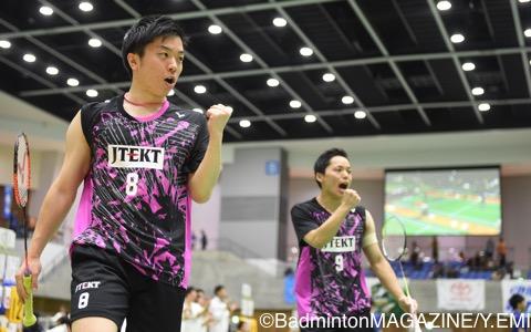 松本岳(左)/北林
