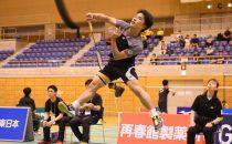 大学4年生の小本翔太(日本体育大)がベテランの上田拓馬(日本ユニシス)を2-1で下して決勝進出