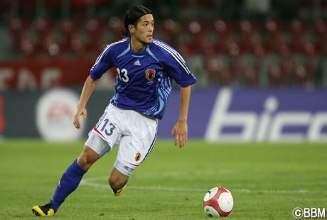 豊富な運動量と高い守備力で浦和レッズはもちろん、日本代表としても活躍した鈴木氏